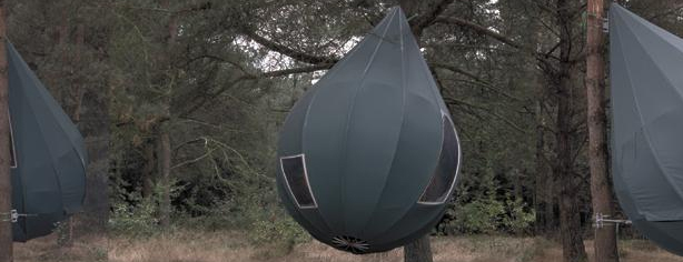 RAINDROP-SHAPED TREE TENTS