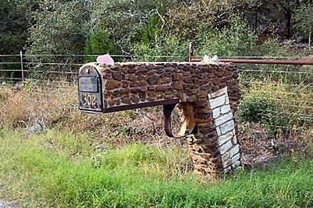 Gun-Mailbox-2