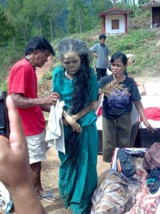 Toraja-walking-dead_1