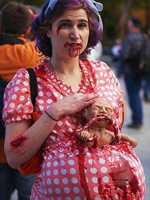 Pregnant-Zombie-13